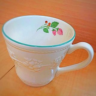 ウェッジウッド(WEDGWOOD)のウエッジウッド フェスティビティ ラズベリー マグカップ (マグカップ)