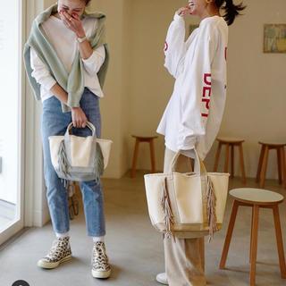 ドゥーズィエムクラス(DEUXIEME CLASSE)の田中彩子着 ayakoバッグ プリント LONG Tシャツ(カットソー(長袖/七分))