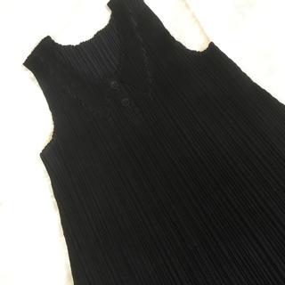 プリーツプリーズイッセイミヤケ(PLEATS PLEASE ISSEY MIYAKE)のプリーツプリーズ 黒のチュニック 美品(チュニック)
