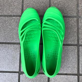 アディダス(adidas)のアディダス 靴 24、5cm(スリッポン/モカシン)