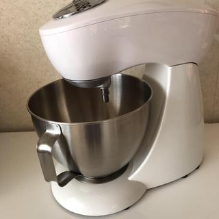 カイジルシ(貝印)のスタンドオートミキサー ホワイト DL-7523 美品(調理道具/製菓道具)