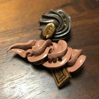 キューポット(Q-pot.)のQ-pot チョコレートブローチ(ブローチ/コサージュ)