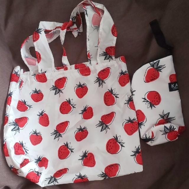 KALDI(カルディ)の【新品未使用】カルディ いちごバッグ トートバッグ、いちご柄ボトルケース レディースのバッグ(エコバッグ)の商品写真