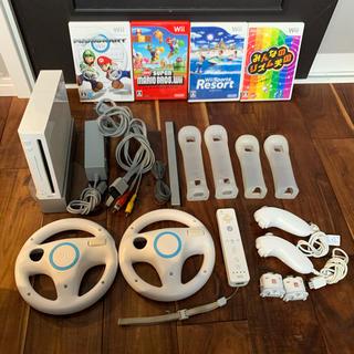 ウィー(Wii)のWii 本体、リモコン、ソフトのセット(家庭用ゲーム機本体)