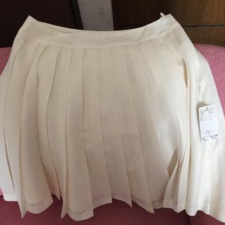 ネットディマミーナ(NETTO di MAMMINA)の白プリーツスカート(ひざ丈スカート)