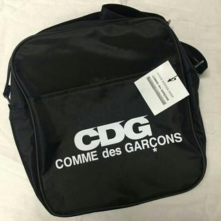 コムデギャルソン(COMME des GARCONS)のコムデギャルソンCDG エアライン ロゴ ショルダーバッグ 黒(ショルダーバッグ)