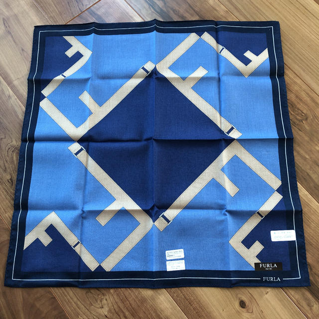 Furla(フルラ)のFURLA ハンカチ メンズのファッション小物(ハンカチ/ポケットチーフ)の商品写真