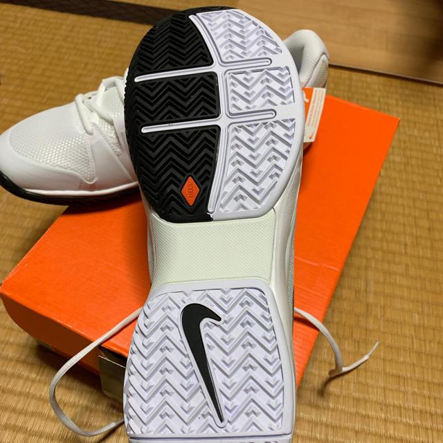 NIKE(ナイキ)のNIKE ZOOM VAPOR 9.5TOUR ロジャーフェデラー   スポーツ/アウトドアのテニス(シューズ)の商品写真