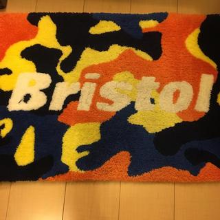 エフシーアールビー(F.C.R.B.)のFC real Bristol FCRB ラグ マット 値下げ(ラグ)