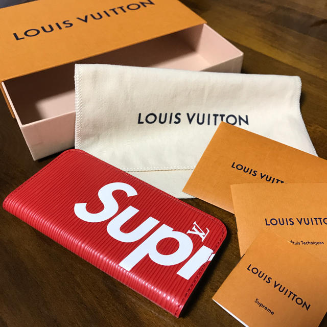LOUIS VUITTON - 新品☆LOUIS VUITTON×Supreme iPhone7 EPI ケースの通販