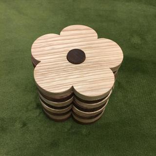クッカ(kukkA)のお花のコースター kukka ビヨルク(テーブル用品)