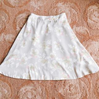 ドゥアルシーヴ(Doux archives)のDoux archives ドゥアルシーヴ ♡ 花柄スカート(ひざ丈スカート)