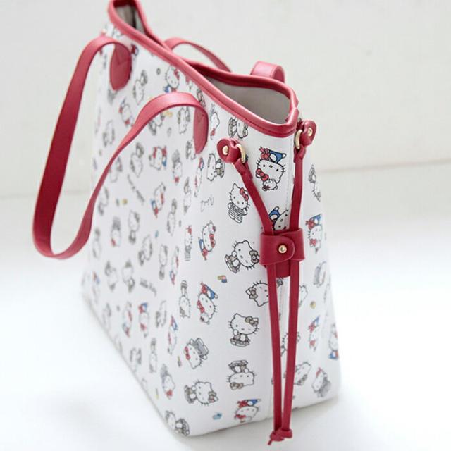 Nina mew(ニーナミュウ)の【新品】ハローキティ 総柄 トートバッグninamew ニーナミュウ レディースのバッグ(トートバッグ)の商品写真