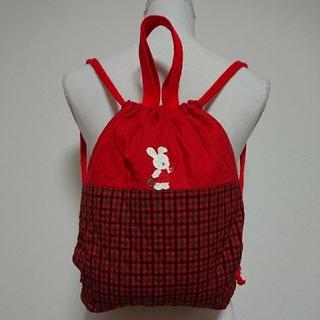 ファミリア(familiar)の【ハンドメイド】ウサギ&おうちワッペン付ナップザック  お着替え袋 赤 入園準備(バッグ/レッスンバッグ)