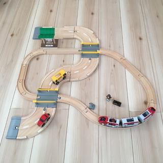 ブリオ(BRIO)のブリオ レール&ロード トラベルセット(電車のおもちゃ/車)