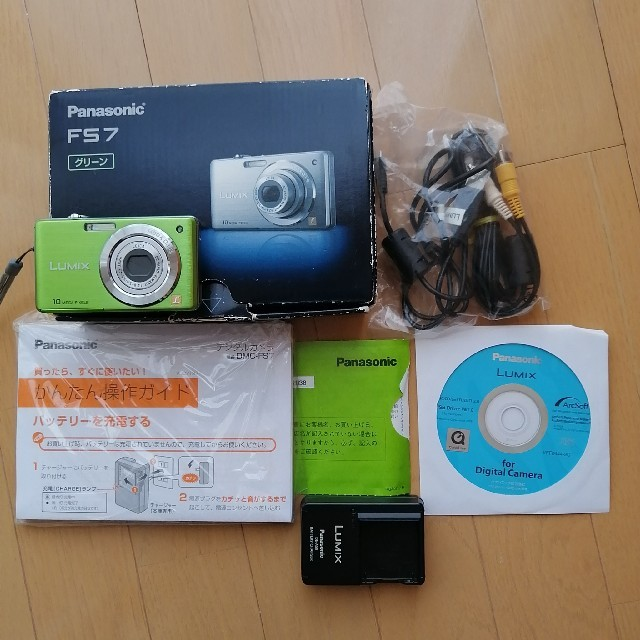 Panasonic(パナソニック)のPanasonic LUMIX  FS7 グリーン スマホ/家電/カメラのカメラ(コンパクトデジタルカメラ)の商品写真