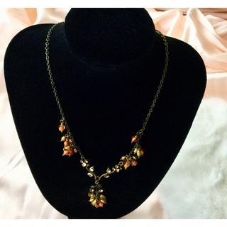 新品 ◆アンティーク風 オレンジ ストーンビーズ ネックレス(ネックレス)