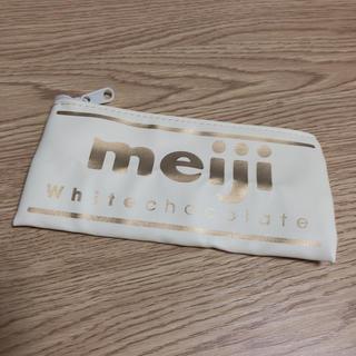 メイジ(明治)のmeiji ホワイトチョコレート ミニポーチ(ポーチ)