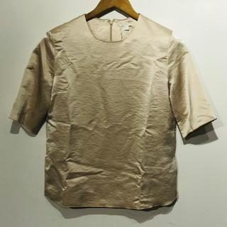 コス(COS)のCOS シャイニートップス(シャツ/ブラウス(半袖/袖なし))