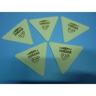YAMAHA 正三角形ピック 5枚セット  厚さ:030 (長期在庫品) 白(その他)