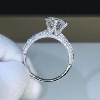 【newデザイン】輝くモアサナイト ダイヤモンド リング K18WG(リング(指輪))