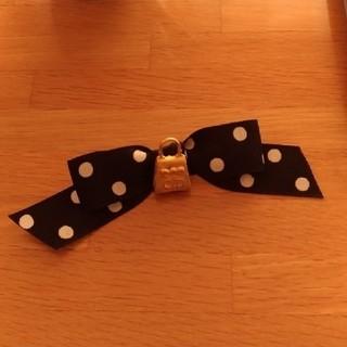 クリスチャンディオール(Christian Dior)のクリスチャンディオール リボン ドット 水玉 黒 ブラック ディオール   (ブローチ/コサージュ)