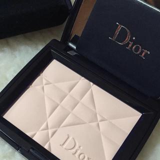 online retailer dfe89 0a978 Christian Dior - ディオール スキンプレストパウダーの通販|ラクマ