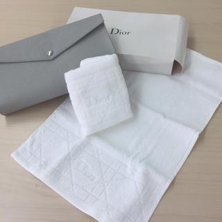 ディオール(Dior)のDior 大きめのクラッチ風ポーチと刺繍タオル2枚セット(タオル/バス用品)