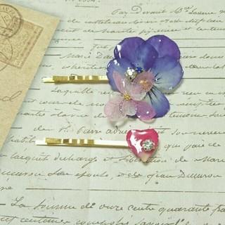 青ビオラと花びらのヘアピンセット(ヘアピン)