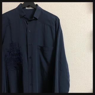 アートヴィンテージ(ART VINTAGE)のシャツ  刺繍 デザイン  90's 古着 レトロ 昭和 長袖(シャツ)