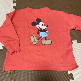 プティマイン(petit main)のミッキートレーナー(赤)(Tシャツ/カットソー)