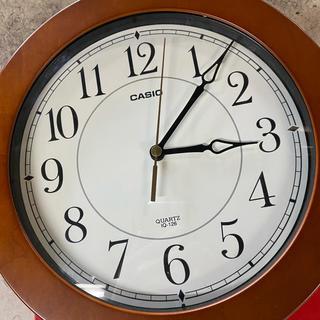 カシオ(CASIO)のカシオIQ126壁掛け 定価¥9800(Amazon)(掛時計/柱時計)