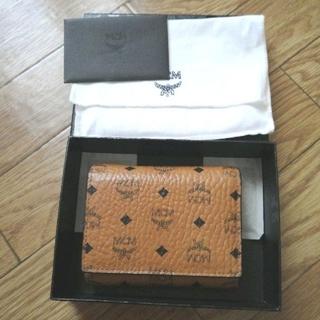 エムシーエム(MCM)のMCM三つ折り財布美品【正規品】(折り財布)