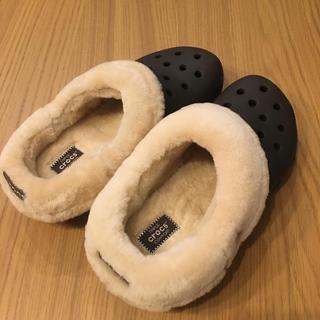 クロックス(crocs)のクロックス ボア モコモコ クラシックマンモス ブラウン 25.0cm 男女兼用(サンダル)