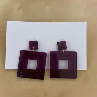 紫のレトロピアス(ピアス)