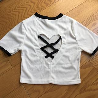 イートミー(EATME)の新品未使用 美品 ショート丈 ハートくり抜き トップス(Tシャツ(半袖/袖なし))