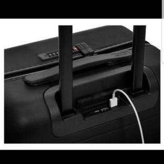 ひろ様専用【日本未入荷】USB電源つき!アウェイ機内持ち込み(小)スーツケース(トラベルバッグ/スーツケース)