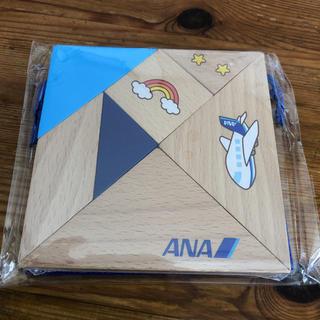 エーエヌエー(ゼンニッポンクウユ)(ANA(全日本空輸))のANA木製『脳育タングラム』3才以上新品(知育玩具)
