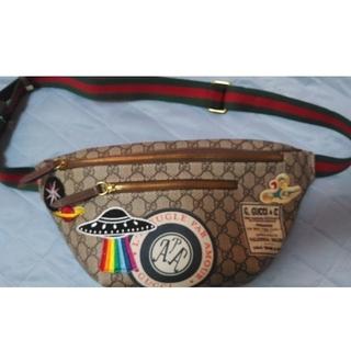 Gucci - GUCCI クーリエレザーGGスプリーム ベルトバッグ