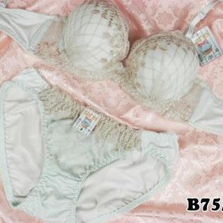 SE16★B75 M★美胸ブラ ショーツ 谷間メイク ダイアゴナルチェック 緑系(ブラ&ショーツセット)