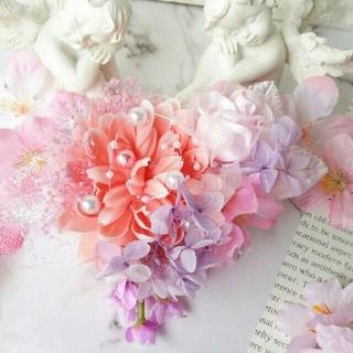 ✨🌸ピーチダリアと薔薇と桜のコサージュ🌸✨ラプンツェルカラー🌸No.318(コサージュ/ブローチ)