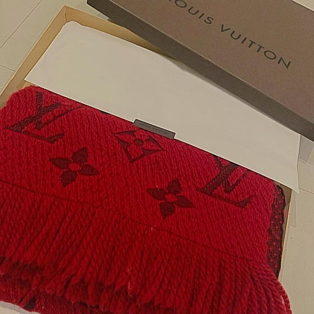 LOUIS VUITTON(ルイヴィトン)の最終値引き!LOUIS VUITTON ヴィトンエシャルプ・ロゴマニア マフラー レディースのファッション小物(マフラー/ショール)の商品写真