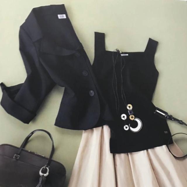 FOXEY(フォクシー)のFOXEY✨デコルテジャケット&ワンピース38 レディースのフォーマル/ドレス(スーツ)の商品写真