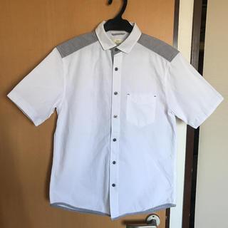 ikka - ikka  シャツ 半袖シャツ 白