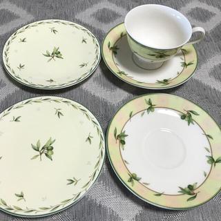 ナルミ(NARUMI)のナルミコーヒーカップ&ソーサー2組 ケーキ皿2枚(食器)