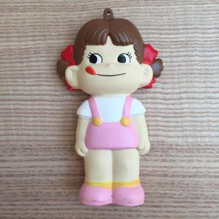 フジヤ(不二家)のペコちゃんソフビ人形(キャラクターグッズ)