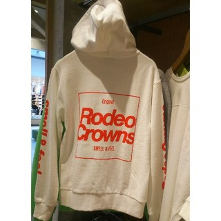 RODEO CROWNS WIDE BOWL - 新品ホワイト 最新ジップアップパーカーSサイズ※Mサイズも実在します!