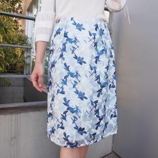 ストロベリーフィールズ(STRAWBERRY-FIELDS)のSTRAWBERRY-FIELDS 刺繍スカート(ひざ丈スカート)