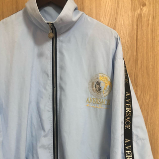 ヴェルサーチ(VERSACE)の90s 古着 A.VERSACE  ヴェルサーチ メデューサ刺繍 半袖ジャージ(ナイロンジャケット)