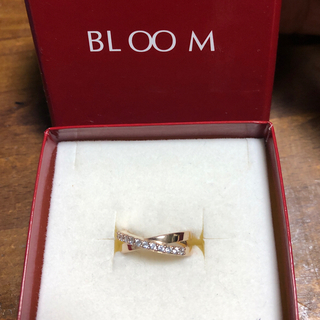 BLOOM - 美品 BLOOM ピンクゴールド ダブルループ ハーフエタニティ クロス リング